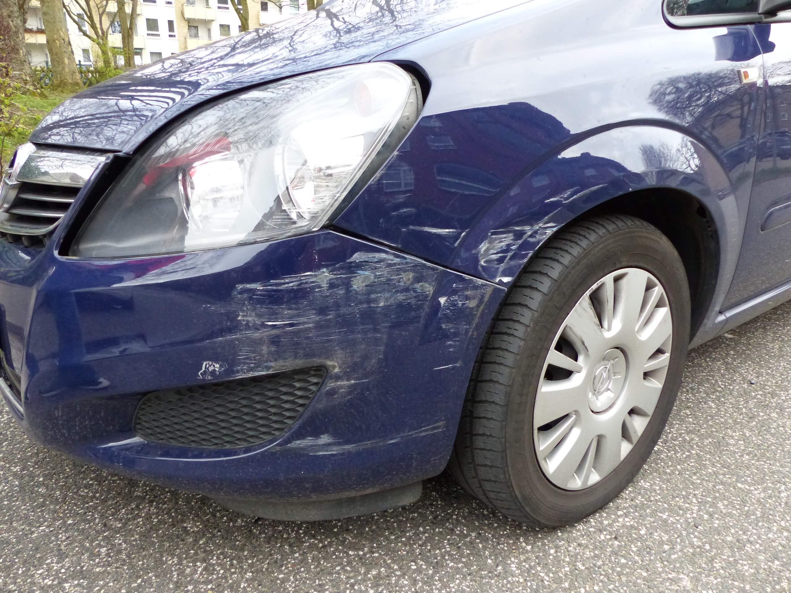 Gutachten_Frontschaden_Opel_Zafira